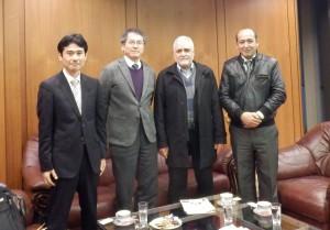 右から、ZARAN一等書記官、OWN臨時代理大使、中嶋センター長、上山研究員