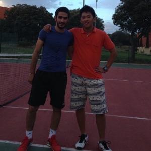 AUIの生徒で、テニスを通じて友達になったイェッシンです。